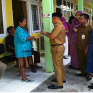 Bupati Harris saat Berkunjung di RSUD Selasih