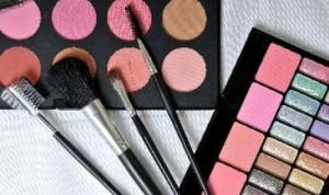 Belanja Kosmetik Online? Waspadai Faktor Ini