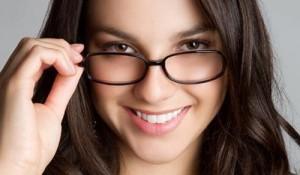 girl-glasses