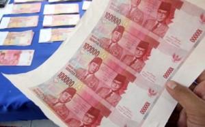 uang palsu konfrontasi_0